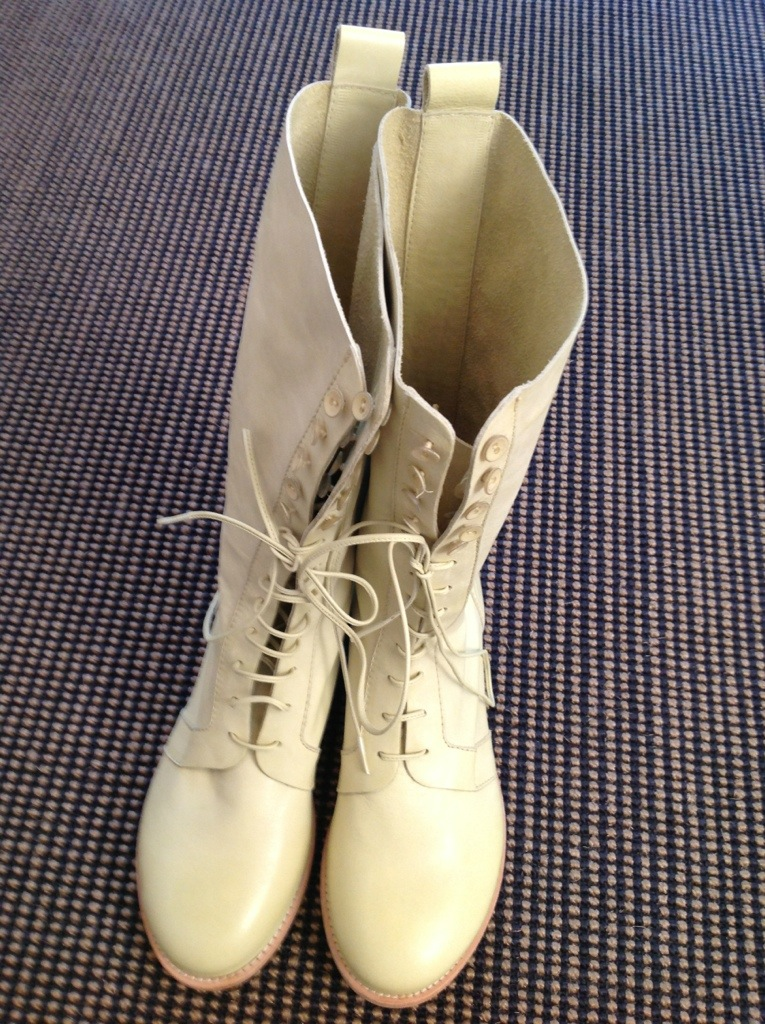 40a609ab278749 Stiefel von Annette Görtz